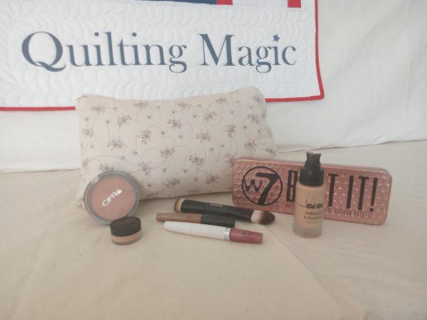Make up bag-lavender lane large