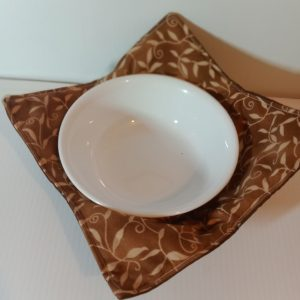 Bowl holder – reversible, leaves on cinnamon, 8x8